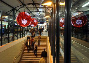 Apeldoorn Sfeervol NS station en dat op 19 november!! © Maarten Sprangh
