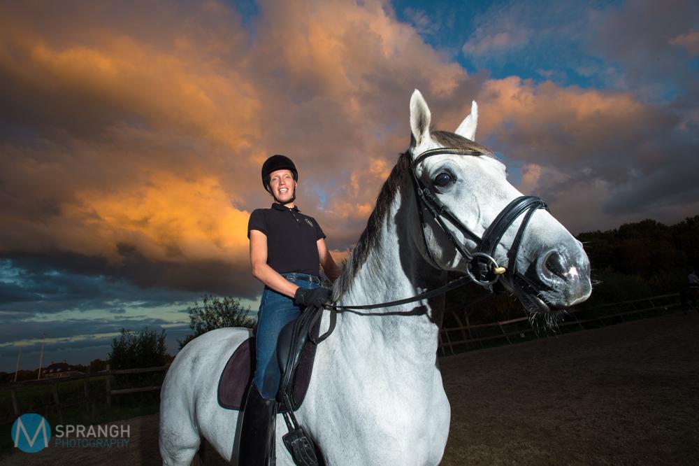 Emst Dressuurruiter Gerald Drent met paard.© Maarten Sprangh